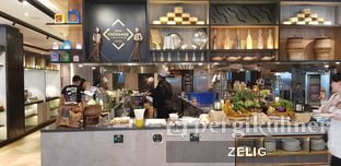 Foto 1 - Interior di Food Exchange - Hotel Novotel Mangga Dua oleh @teddyzelig