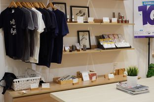 Foto 12 - Interior di Evlogia Cafe & Store oleh Deasy Lim