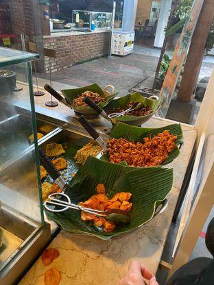 Foto 19 - Makanan di Alas Daun oleh Riani Rin