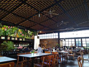 Foto 6 - Interior di ROOFPARK Cafe & Restaurant oleh Kuliner Keliling