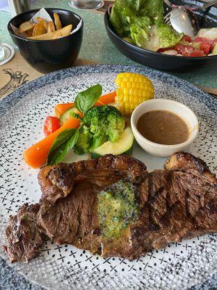 Foto review Cutt & Grill oleh Yohanacandra (@kulinerkapandiet) 4