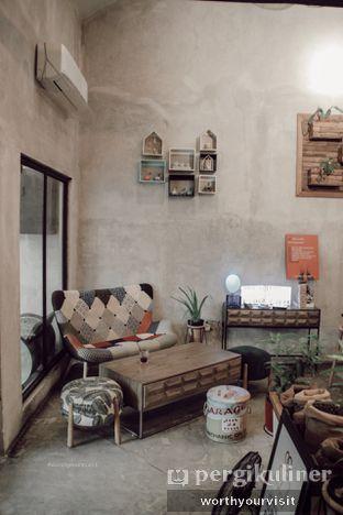 Foto 1 - Interior di Kona Koffie & Eatery oleh Kintan & Revy @worthyourvisit