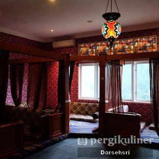 Foto 10 - Interior di Mid East Restaurant oleh Darsehsri Handayani