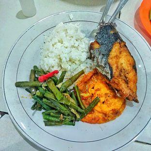 Foto 2 - Makanan di Warteg Gang Mangga oleh duocicip