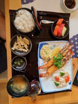 Foto 1 - Makanan(Ebi furai) di Furusato Izakaya oleh Vising Lie