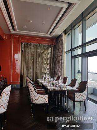 Foto 6 - Interior di Alto Restaurant & Bar - Four Seasons oleh UrsAndNic