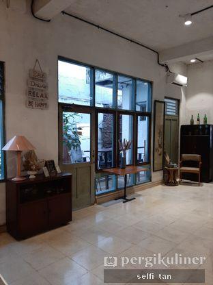 Foto 8 - Interior di Coffee Tea'se Me oleh Selfi Tan