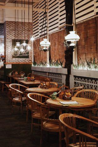 Foto 2 - Interior di Gerobak Betawi oleh Indra Mulia