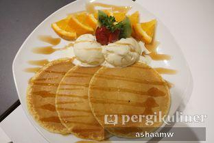Foto 7 - Makanan(Pancake Ice Cream + Buah) di Warung Kemuning oleh Asharee Widodo