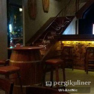 Foto 6 - Interior di Holywings oleh UrsAndNic