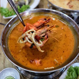 Foto 4 - Makanan(Tom Yum soup) di Bolan Thai Street Kitchen oleh Stellachubby
