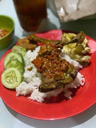 Foto 2 - Makanan di Ayam Gepuk Pak Gembus oleh Riani Rin