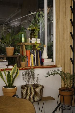 Foto 10 - Interior di 7 Speed Coffee oleh yudistira ishak abrar