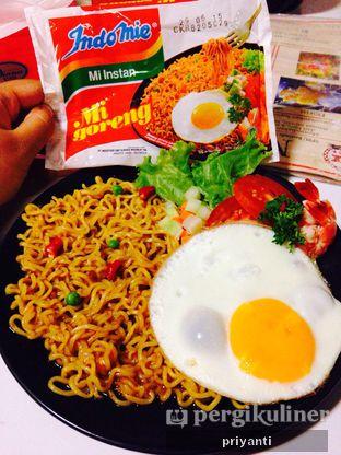 Foto 2 - Makanan(MieMirip Goreng) di Mix Diner & Florist oleh Priyanti  Sari