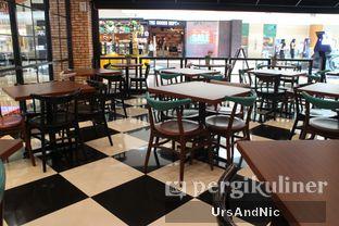 Foto 6 - Interior di The Kitchen by Pizza Hut oleh UrsAndNic