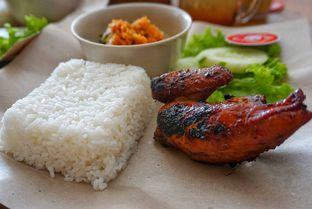 Foto 10 - Makanan di Ayam Kremes Bu Tjondro oleh yudistira ishak abrar