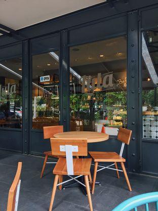 Foto 1 - Interior di Lula Bakery & Coffee oleh Stefanus R. (@designergembul)