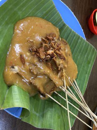 Foto 2 - Makanan(sate ayam) di Depot Es Durian Nan Salero oleh Budi Lee