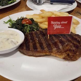 Foto 4 - Makanan di Steak Hotel by Holycow! oleh dian setianingrum