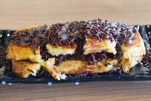 Foto 6 - Makanan(Roti Bakar Chocolate) di Sate Asin Pedas S.O.S oleh Novita Purnamasari