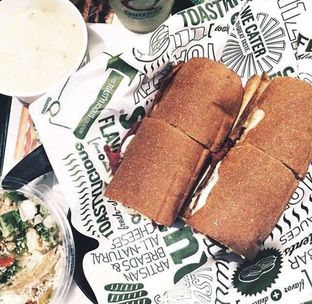 Foto - Makanan di Quiznos oleh aroundtheworld
