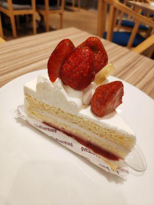 Foto 1 - Makanan(Legendary fresh cream cake) di Chateraise oleh Gabriel Yudha | IG:gabrielyudha
