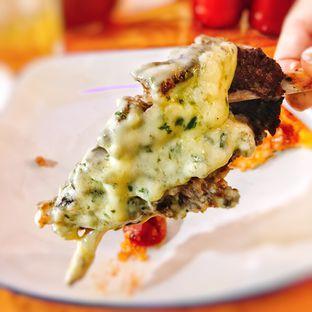Foto 3 - Makanan di Monchitto Gourmet Pizza oleh Astrid Huang | @biteandbrew