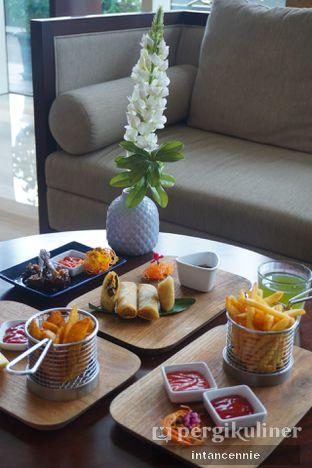 Foto 9 - Makanan di Lobby Lounge - Swiss Belhotel Serpong oleh bataLKurus