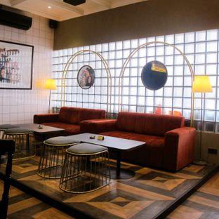 Foto 2 - Interior di JurnalRisa Coffee oleh Kuliner Addict Bandung