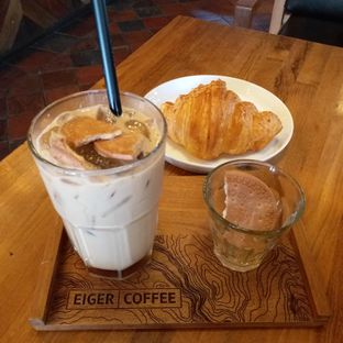 Foto - Makanan(Retro rum and cheese croissant) di Eiger Coffee oleh Kuliner Limited Edition