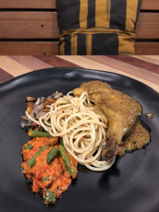 Foto 3 - Makanan(Balinese grilled chicken) di Anomali Coffee oleh Patricia.sari