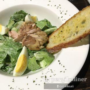 Foto 2 - Makanan(Caesar Salad) di Food Theater oleh Darsehsri Handayani