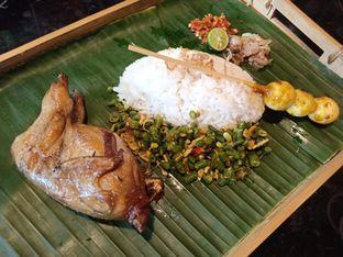 Foto 2 - Makanan(Puyuh megoreng) di Putu Made oleh Jocelin Muliawan