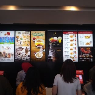 Foto 2 - Interior di McDonald's oleh Chris Chan
