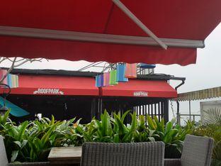 Foto review ROOFPARK Cafe & Restaurant oleh Threesiana Dheriyani 3