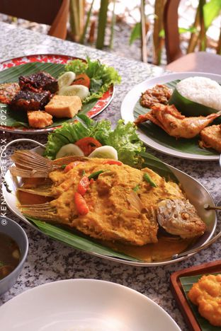 Foto review Delima Authentic Indonesian Food oleh Vionna & Tommy 11
