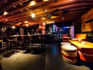Foto 4 - Interior di Pvblic Bistro and Bar oleh Carolin Lim