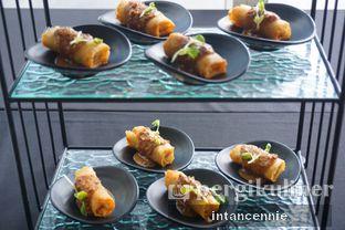 Foto 25 - Makanan di Lobby Lounge - Swiss Belhotel Serpong oleh bataLKurus