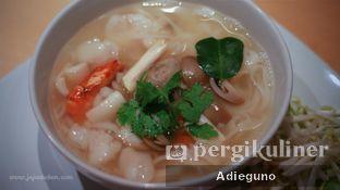 Foto 4 - Makanan(Tom Yum Seafood Stick Noodle ) di Thai Xtreme oleh Adieguno