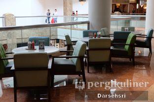 Foto 6 - Interior di MOS Cafe oleh Darsehsri Handayani