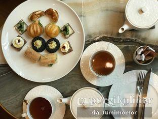 Foto 2 - Makanan di The Writers Bar - Raffles Jakarta Hotel oleh riamrt