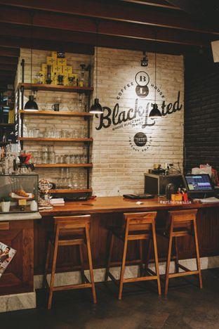 Foto 6 - Interior di Blacklisted oleh Indra Mulia
