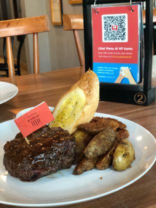 Foto 1 - Makanan(Fillet Mignon) di B'Steak Grill & Pancake oleh Budi Lee
