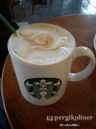 Foto 2 - Makanan(Asia dolce Latte) di Starbucks Coffee oleh UrsAndNic