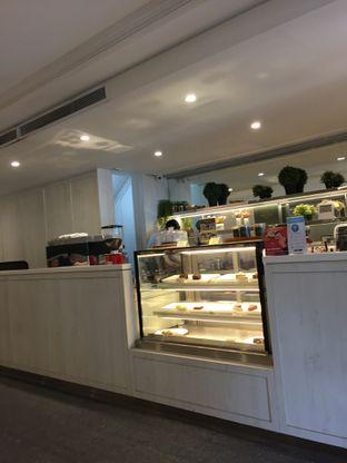 Foto 8 - Interior di Cafe Gratify oleh Yohanacandra (@kulinerkapandiet)