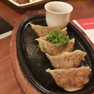 Foto 6 - Makanan(Wagyu Gyoza) di Shabu - Shabu House oleh @stelmaris