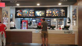 Foto 5 - Interior di KFC oleh om doyanjajan