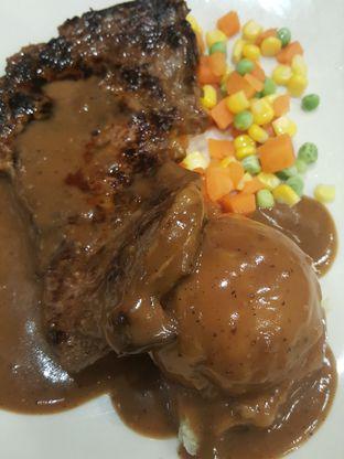Foto 10 - Makanan di Joni Steak oleh Stallone Tjia (@Stallonation)