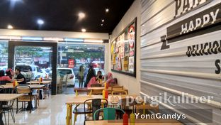 Foto 6 - Interior di Panties Pizza oleh Yona dan Mute • @duolemak