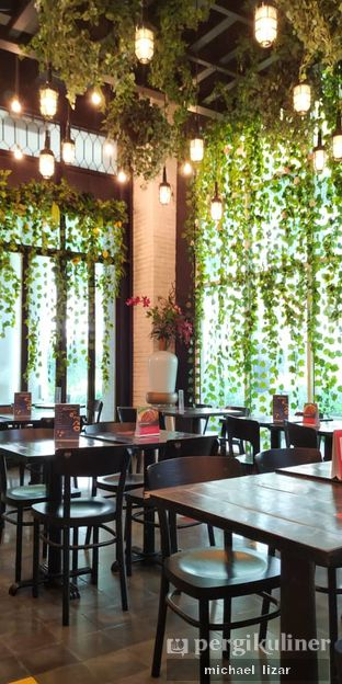 Foto 2 - Interior di Babochkaa Bistro & Coffee Bar oleh Michael Lizar